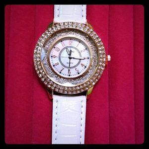 Fashion Quartz Ladies Wrist Watch New